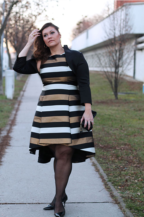 kardiaserena-outfit-plussize-fashion-curvy-asos-gestreiftes-kleid-metallic-look-luxury-coast-plus-_