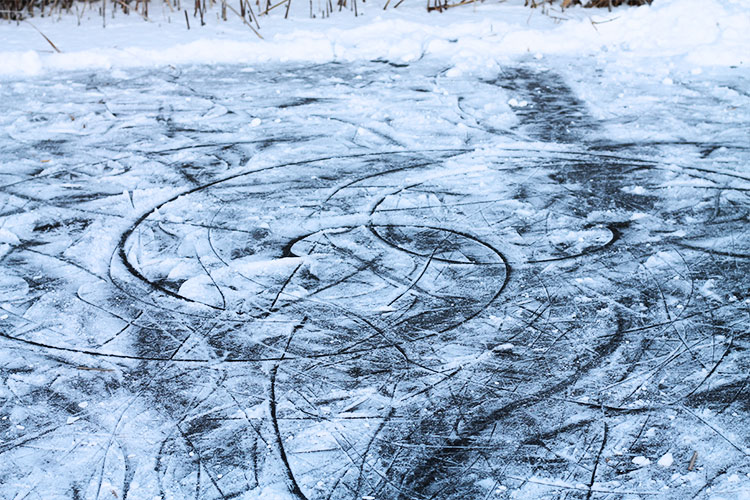 kardiaserena-winterwonderland-austrianblogger-viennablogger-plussizeblogger-donaustadt-schneelandschaft-winterlandschaft-gefrorener-teich
