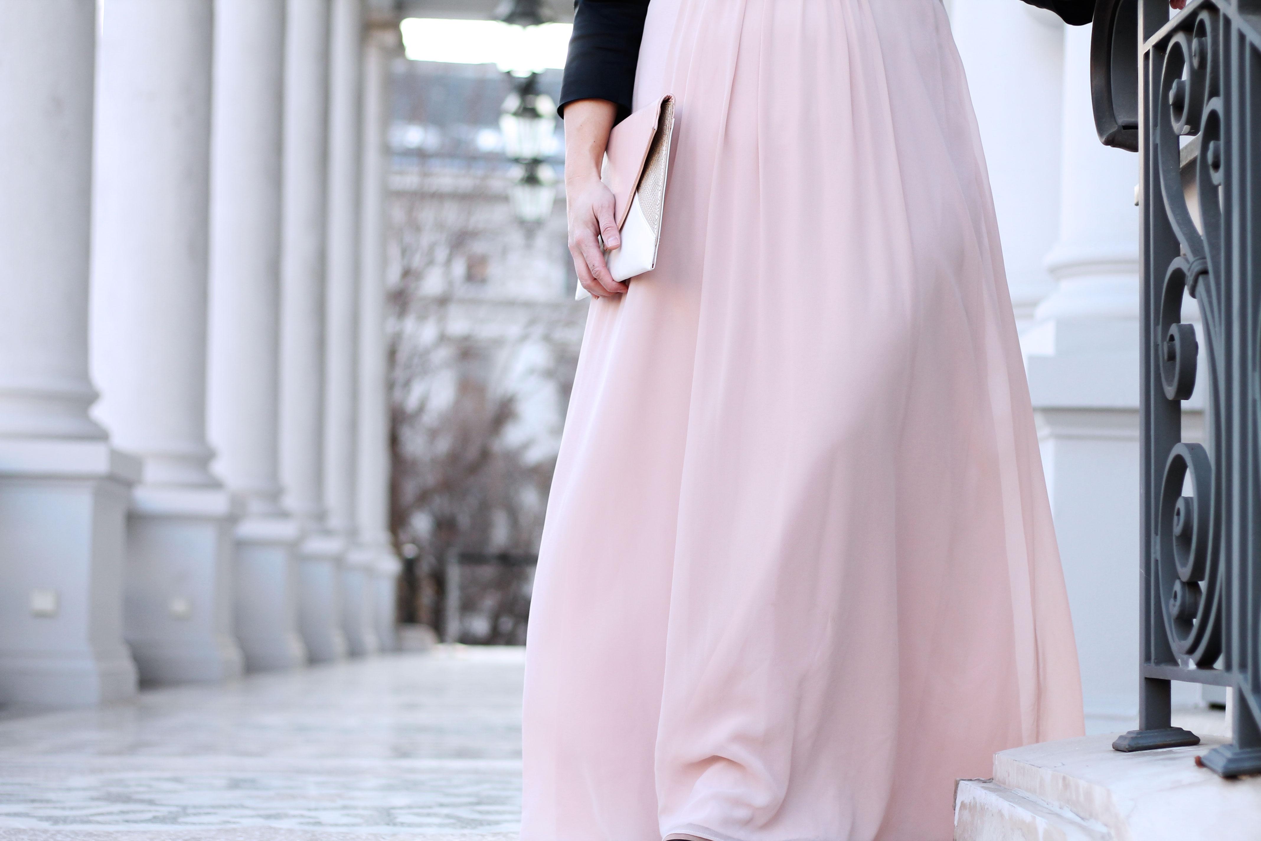 ballkleid-farbe-rose-nude-ballsaison-clutch-kardiaserena-balloutfit-outfit-plussize-blogger-fashion