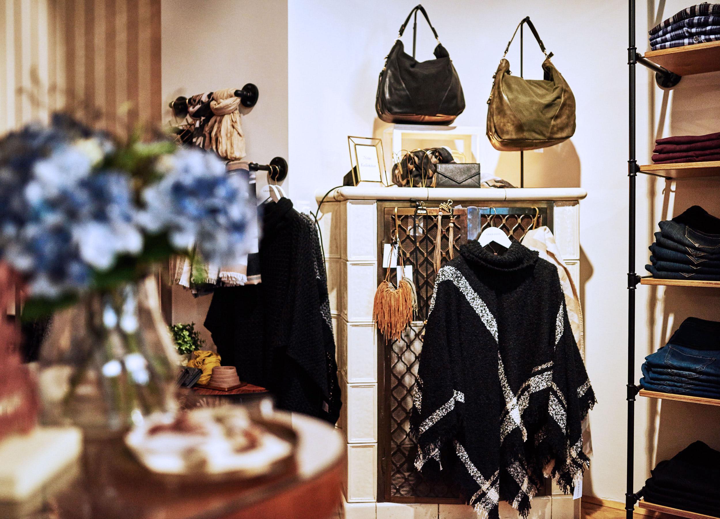 boutique-grandios-vienna-otto-bauer-gasse-11-wien-mariahilferstrase-kardiaserena-plus-size-fashion-outfit-accessoires