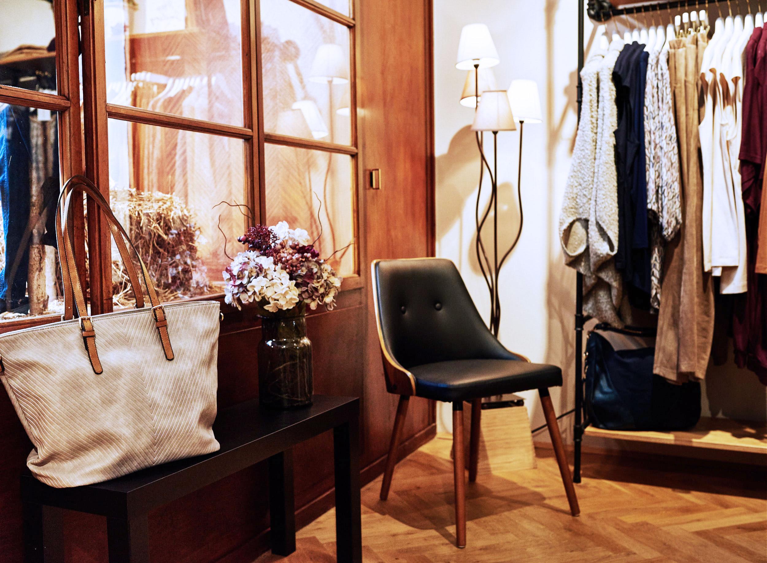 boutique-grandios-vienna-otto-bauer-gasse-11-wien-mariahilferstrase-kardiaserena-plus-size-fashion-wohnzimmer-feeling