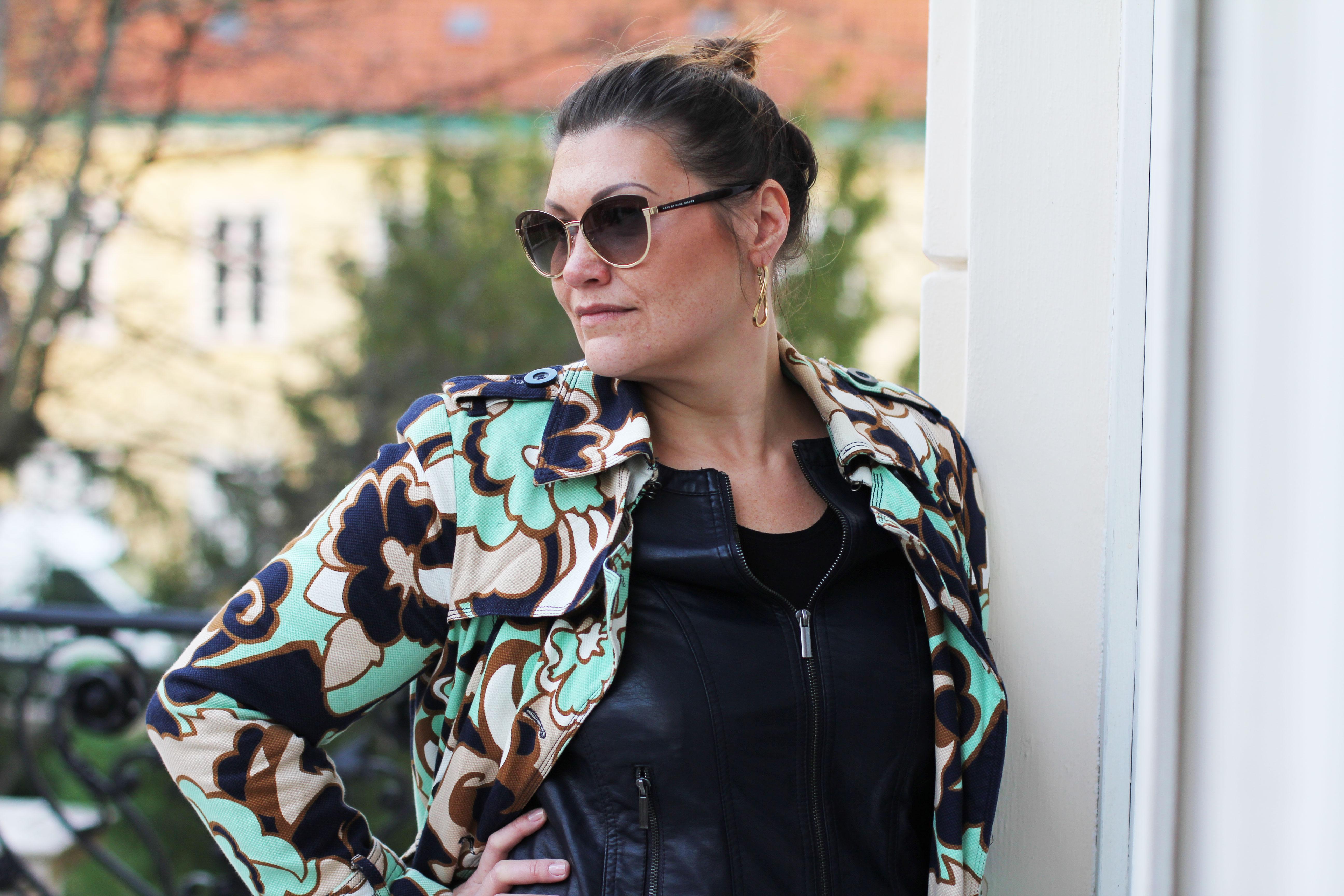 klimt-villa-blumenmuster-mantel-coat-wempe--greenery-kardiaserena-fashion-outfit-plussize-austrianblogger-plussizeblogger-tom-ford-sonnenbrille