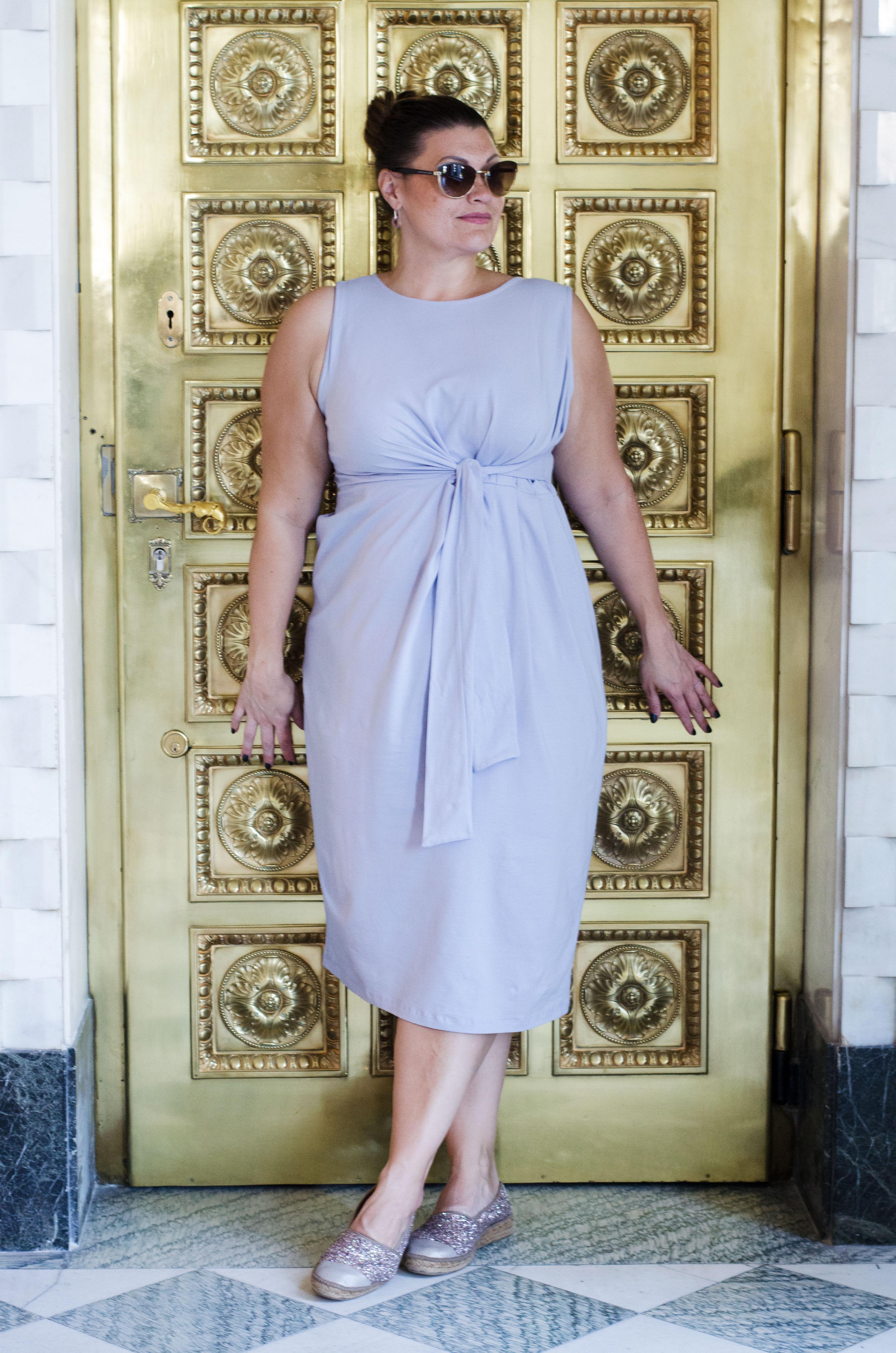 plussize-my-look-outfit-fashion-asos-loves-curves-kardiaserena-midikleid-veilchen-glitzer-espadrilles-gold