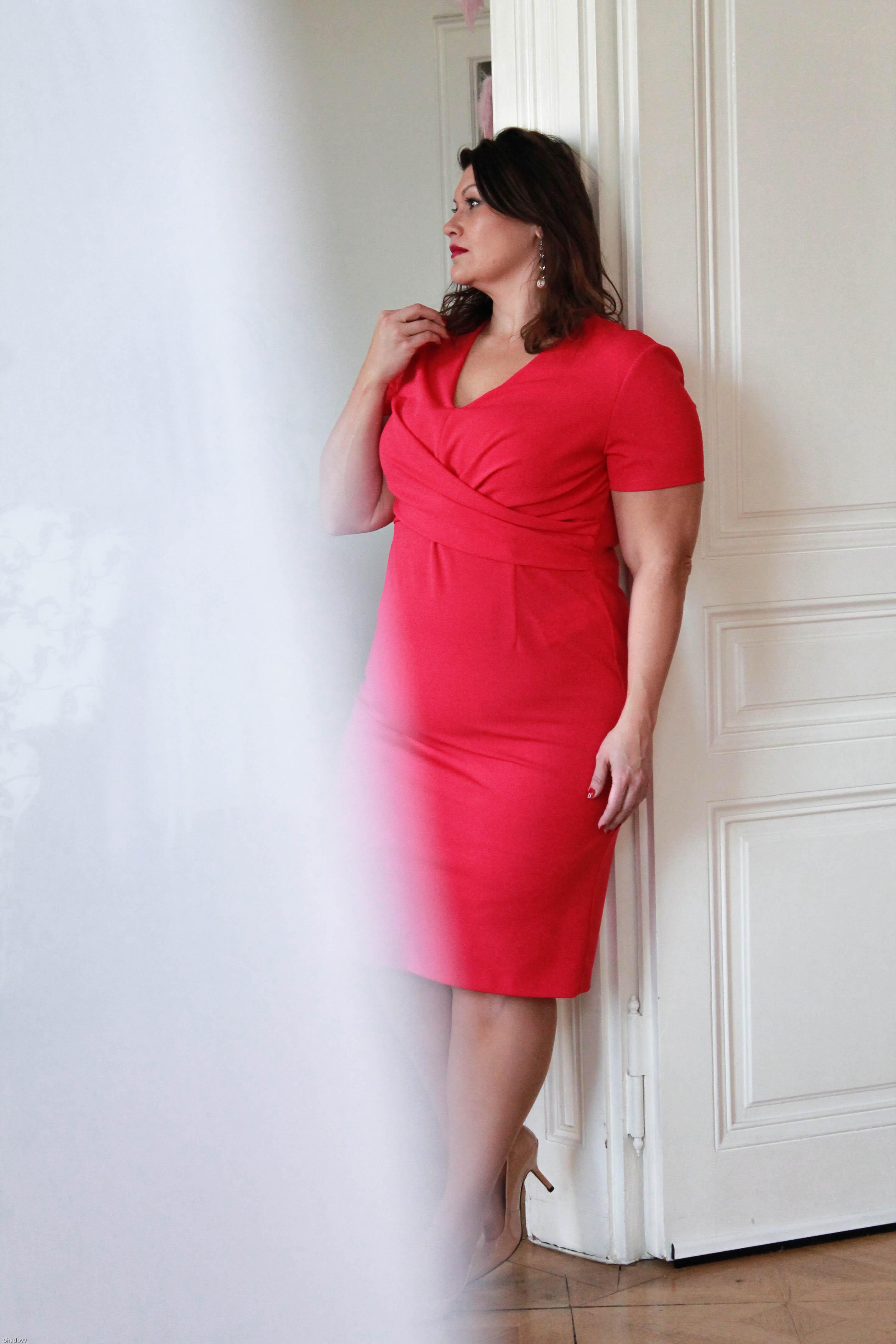 kitana by rinascimento etui kleid magenta pink elegant cool zizzifashion lederjacke curvy plussize fashion trend kardiaserena grandios boutique