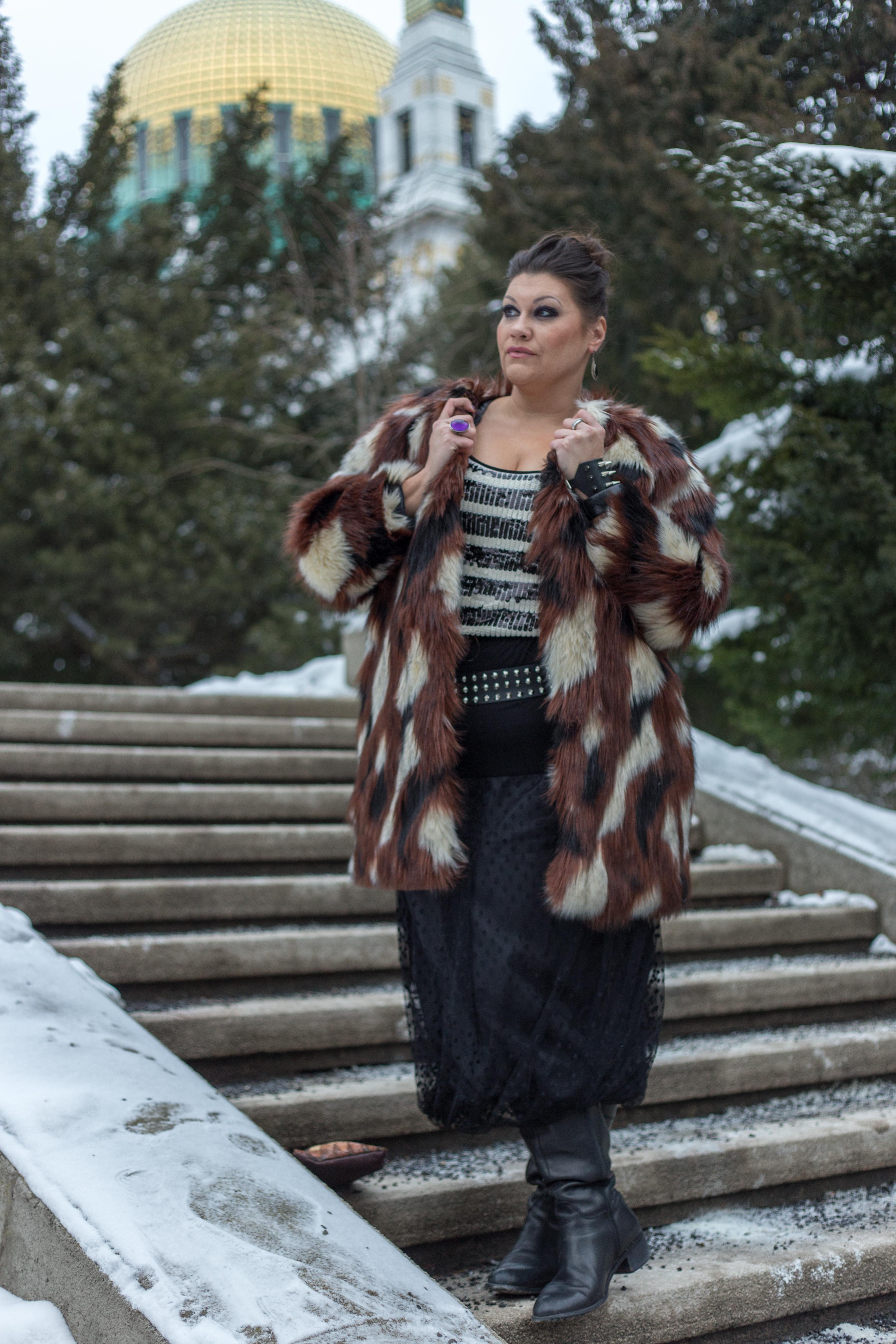 madonna blogger award navabi fauxfur plussize fashion devil queen outfit look pelz fakefur snowwhite kardiaserena (3)