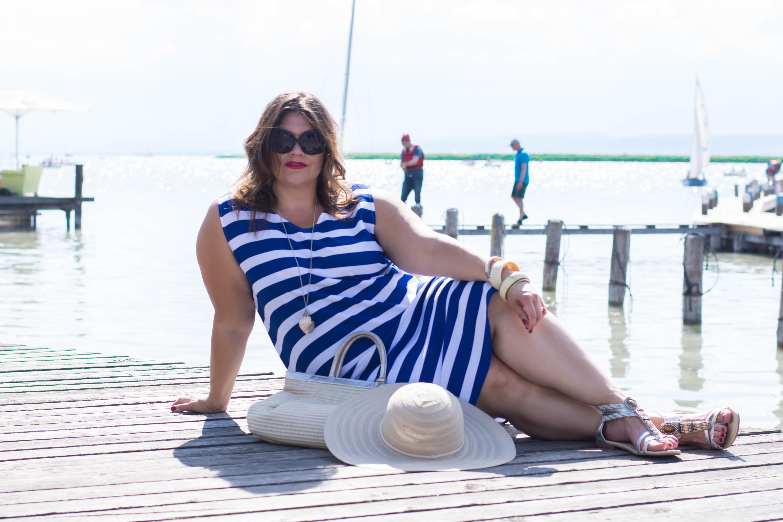 streifenkleid blau-weiß sommer fashion plussize outfit frapp maritime marine look kardiaserena boutique grandios wien