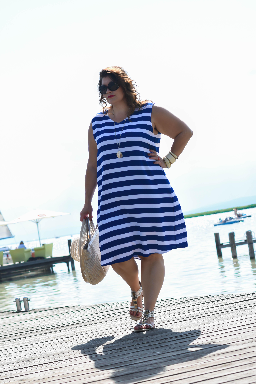streifenkleid blau-weiß sommer fashion plussize outfit frapp maritime marine look kardiaserena boutique grandios wien (2)